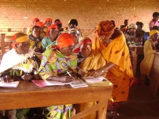 Une classe de l'alphabétisation des femmes