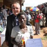 Remise de diplômes aux femmes alphébétisées