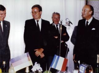 De gauche à droite, Jean Bollon,  Hans Pfarr maire d'Albstadt,  Maurice Féjoz,  Pierre Dumas, maire de Chambéry,  André Gervason