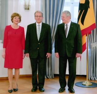 Rolf Armbruster entre la Première Dame Daniela Schadt et le Président Joachim Gauck